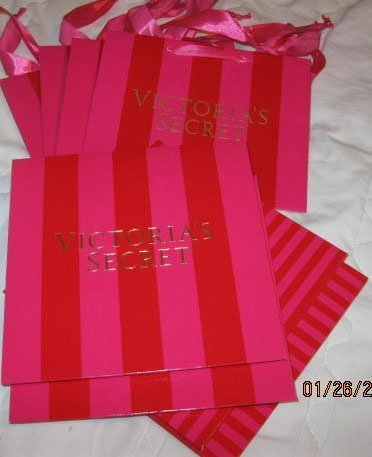 (Victoria's Secret Gift Boxes (2) & Gift Bags (4) NEW )