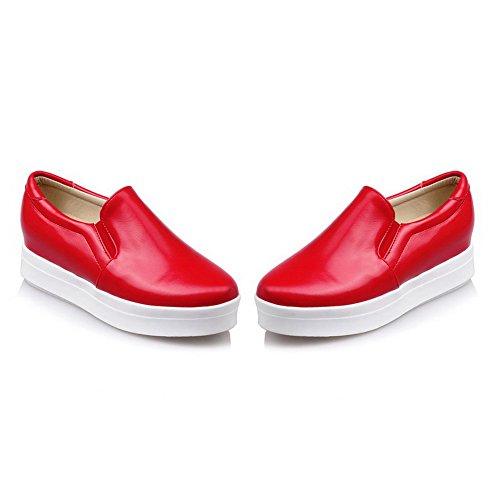 AllhqFashion Damen Rein PU Leder Rund Zehe Mittler Absatz Ziehen auf Pumps Schuhe Rot