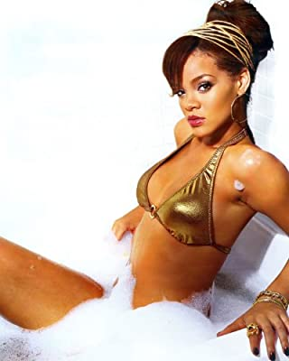 Rihanna 8x10 Celebrity Photo #16