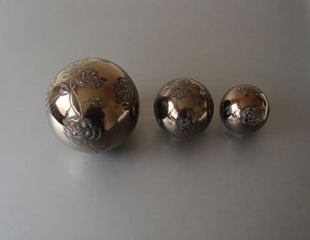 Gorgeous Set Of 3 Decorative Balls Ornate Ornament Sphere Ceramic