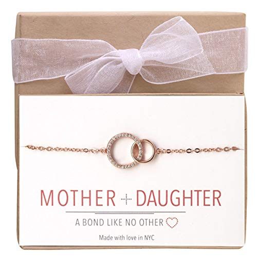 (A+O Mother and Daughter Jewelry Gift - Interlocking Circles Bracelet in Rose Gold)