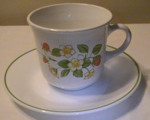 Corning Corelle Strawberry Sundae Cups and Saucers - Set of 4