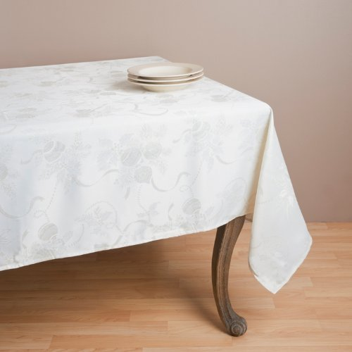 Fennco Styles Jacquard Red Holiday Tablecloth - 2 Colors (Ivory) (In Christmas Colour Tablecloth)