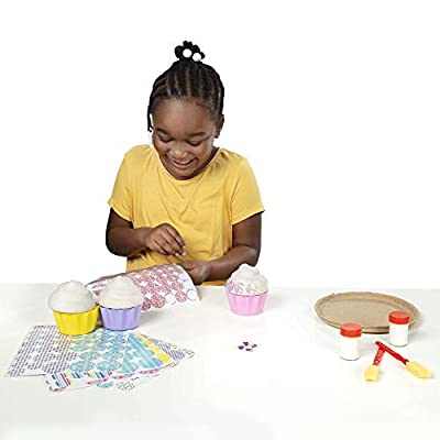 Melissa & Doug Decoupage Made Easy Cupcake Paper Mache Deluxe Craft Kit With Stickers (3 Trinket Boxes, Tray): Toy: Toys & Games