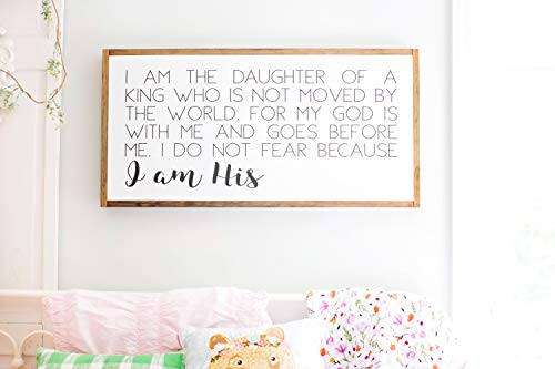Bruyu5se Framed Wood Sign Rustic Wooden Sign I Am The Daughter of A King Sign Inspirational Girls Room Decor Bible Sign for Girls Room 12 x 22 Inch Decorative Sign Home Decor