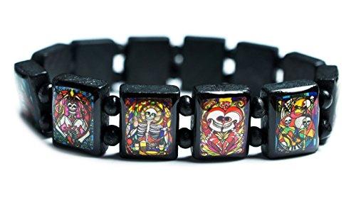 Day of the Dead Muertos Whimsical Skulls Black Wood Stretch Bracelet ()
