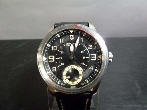 Victorinox Swiss Army Men's SWISSA-241377 Infantry Vintage Black Leather Watch