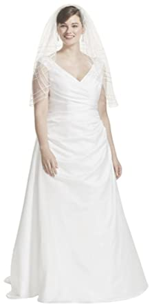 David\'s Bridal Off-The-Shoulder V-Neck Plus Size Wedding Dress Style 9T9861