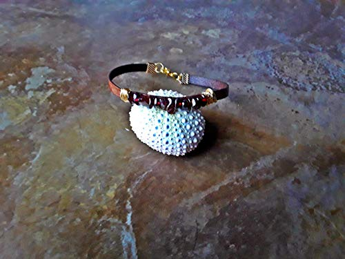 Natural Garnet Wire Wrapped leather Bracelet ()
