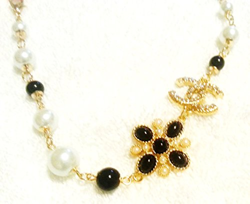 chanel-necklace-valentines-day-gift-pretty-crystal-gold-and-pearl-necklace