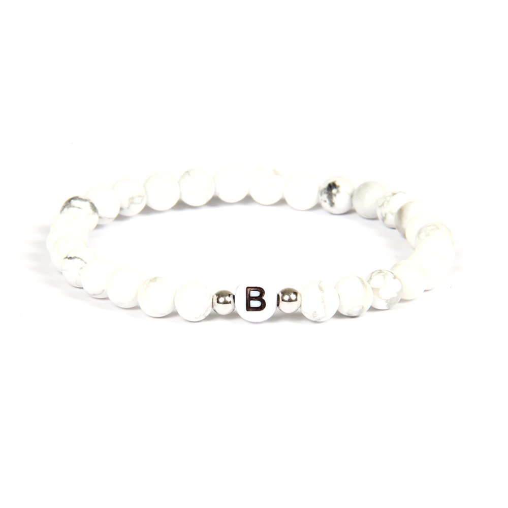 Good.designs, braccialetto con nome, in pietra howlite bianca, con piccole perle in argento vero e perle con lettera dell'alfabeto dalla A alla Z, braccialetto dell'amicizia, perfetto per San Valentino e Argento, colore: Buchstabe M, cod. 13 GD GOOD.desig