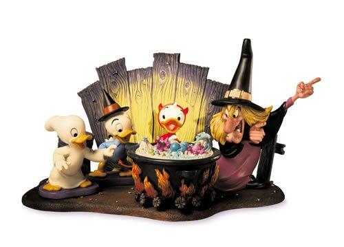 Wdcc Disney Classics Trick or Treat Nephew Duck Lil Witch