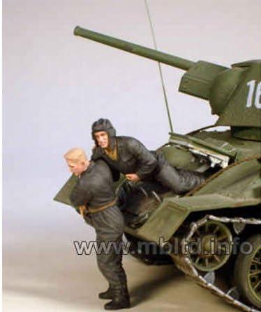 WWII Russian Tankmen Master Box 3532 Bail Out Kursk 1943 plastic kit 1//35