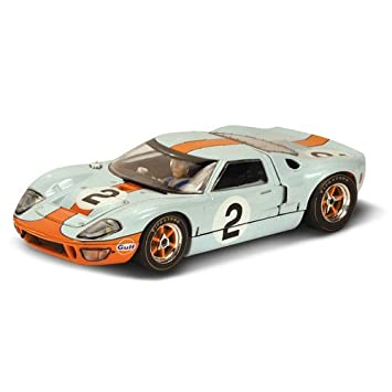 Amazon.com: Scalextric Ford GT40 P1075 \ \ Gulf Aceite ...