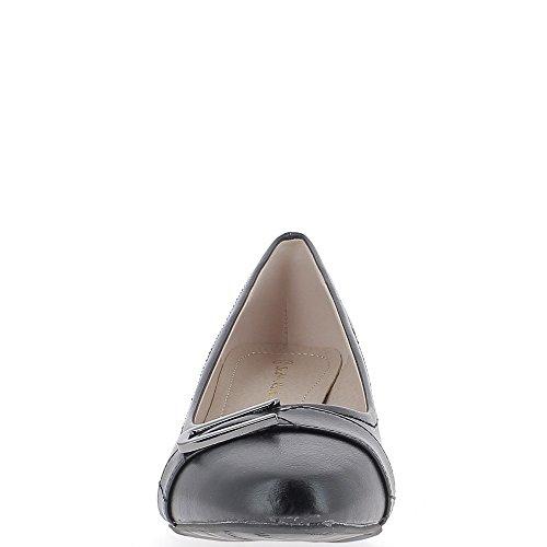 Tacco di pompe grande lucido nero donne dimensione 5,5 cm