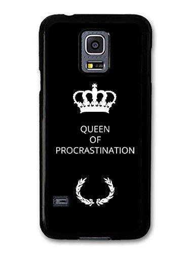 New Funny Queen of Procrastination Gift Idea on Black Design coque pour Samsung Galaxy S5 mini