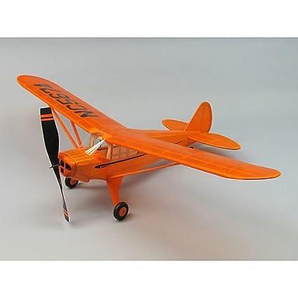 Amazon com: 30 Piper J4-E Cub Coupe Aircraft Kit by Dumas: Toys & Games