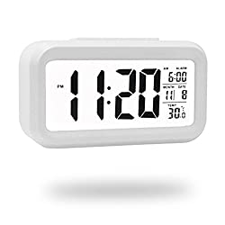 QIANXIANG Digital Alarm Clock, Battery Operated Alarm Clock With Adjustable Light, Ultra-quiet Bed/Desktop/Travel Electronic Clock Backlight, Night Light, Temperature (white)