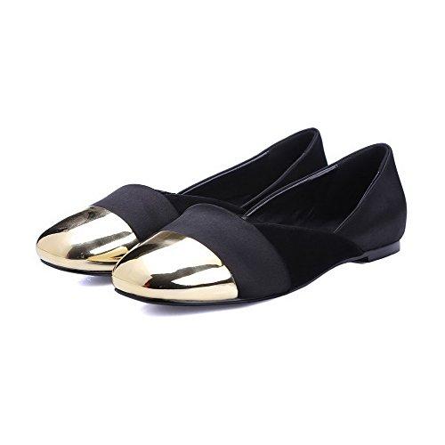 AllhqFashion Damen Seide Niedriger Absatz Quadratisch Zehe Rein Ziehen auf Pumps Schuhe Schwarz