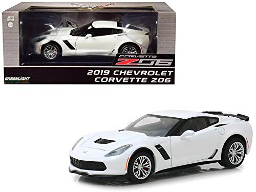 2019 Chevy Corvette Z06 Coupe, Artic White - Greenlight 18250 - 1/24 Scale Diecast Model Toy Car ()