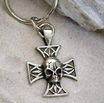 Blazers Jewelry 1985 - IRON CROSS SKULL BIKER Pewter KEYCHAIN Key Ring - Key Pugster