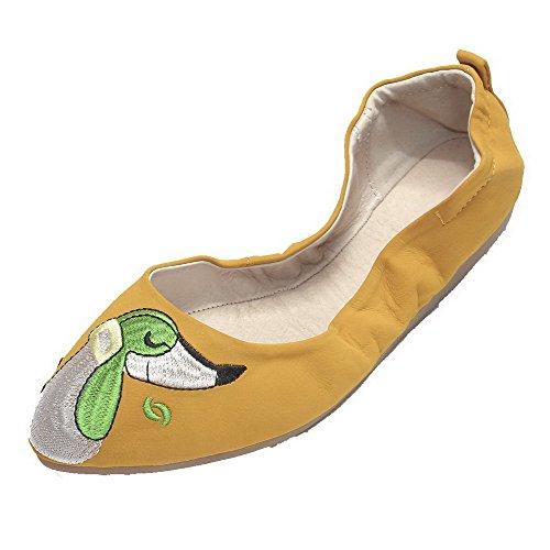 AllhqFashion Damen Rund Zehe Niedriger Absatz Weiches Material Ziehen auf Pumps Schuhe Gelb