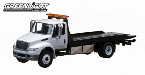 International DuraStar 4400 Flatbed (White) * Limited Edition Hobby Exclusive * 2013 Greenlight Collectibles 1:64 Scale Die-Cast (Gmc Truck Motors)