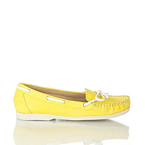 Nature Breeze Women's Round Toe Slip On Boat Shoes Flats