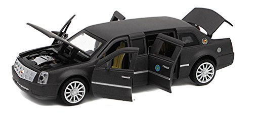 Berry President(TM 1:32 Presidential Limos 2009 Cadillac Limousine Car Electric Toy Sound & Light - Birthday (Black) ()