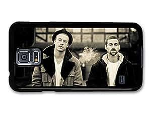 Macklemore & Ryan Lewis Black & White Potrait Cottage carcasa de Samsung Galaxy S5 A5246