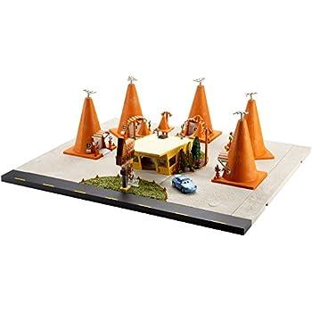 Disney/Pixar Cars 3 Sally's Cozy Cone Motel Playset