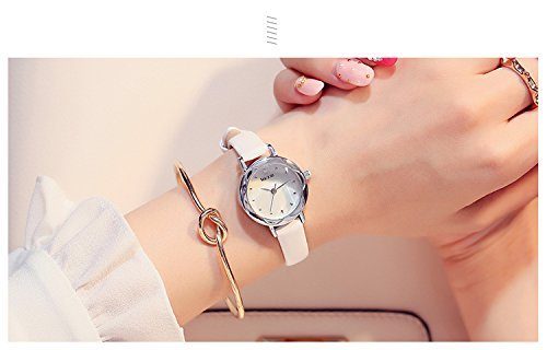 Generic Korean_style_of retro_small_ watch _tray_to elegant_minimalist_ girls_jacket_with_small_beauty-water_drilling_gold_jelly_ watch women girls students .
