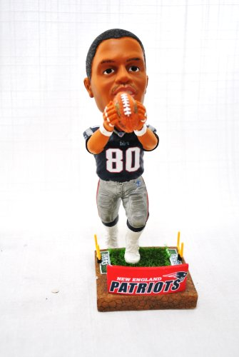 New England Patriots Official NFL #80 Troy Brown stadium base action Bobble Head ()