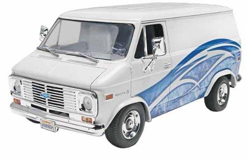 Revell/Monogram Trucks '77 Chevy Van Model Kit