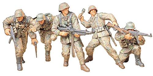 Tamiya Models German Front Line Infantry WW II Model Kit (Tamiya Military Models)