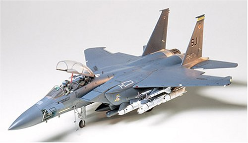 Tamiya 1/32 Mc Douglas F-15 Strike Eagle (F15 E Strike Eagle)