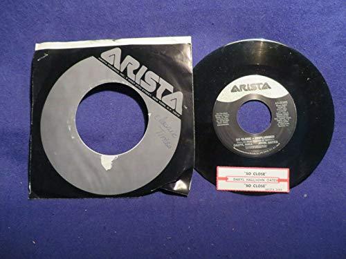 DARYL HALL & JOHN OATES So Close SINGLE 45 Record ARISTA RECORDS