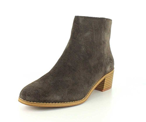 CLARKS Womens Breccan Myth Closed Toe Ankle Fashion Boots, Khaki Suede, Size 7.5