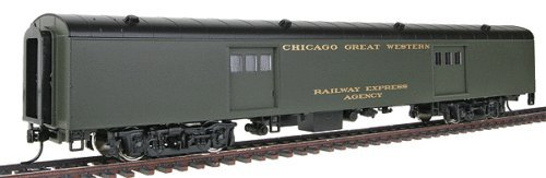 Walthers HO Scale Chicago Great Western Pullman-Standard 72' Baggage Car (932-6813)