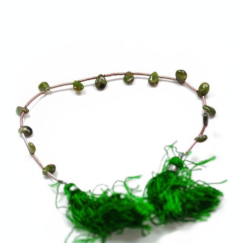 [12+ Green Tsavorite Garnet Approx 4-7mm Handcut Plain Flat Drop Beads - (SR1010) - Charming Beads] (Tsavorite Green Garnet)