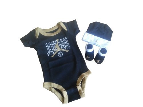 Price comparison product image Nike Jordan Infant New Born Baby Layette Set 0-6 Months and Cellphone Anti-dust Plug