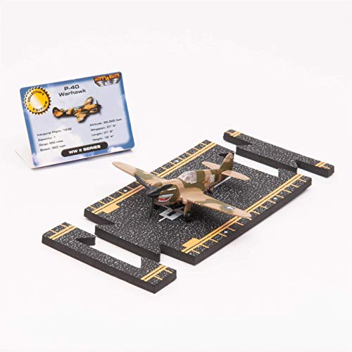 Hot Wings P-40 War Hawk with Connectible Runway ()