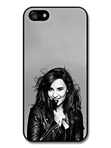 AMAF ? Accessories Demi Lovato Smiling Black & White Singer Popstar case for iPhone 5 5S