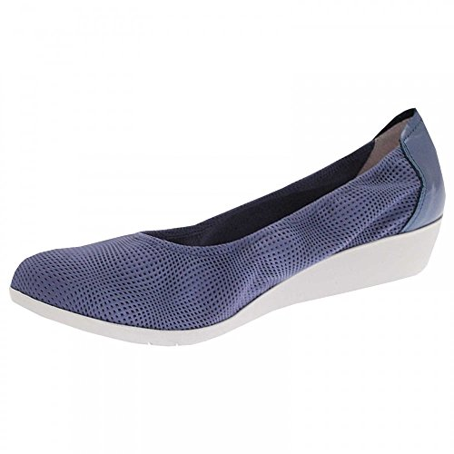 Sabrinas Low Wedge Ballet Pump Blue
