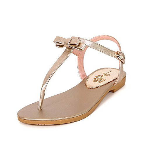 AllhqFashion Womens Split Toe Low-Heels Soft Material Solid Buckle Flip-Flop-Sandals Gold JIsroVWs2