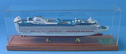 caribbean-princess-cruise-ship-model-1900-scale-display-series