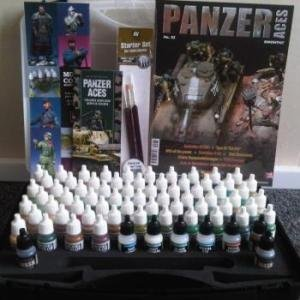 Vallejo 70174 Panzer Aces Range Box Paints Box Set Carry Case