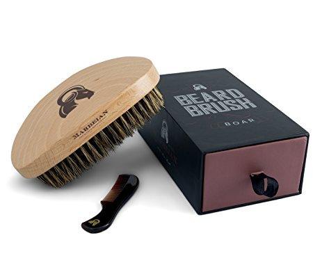 Bartbürste & 7,2 cm Kamm für Schnurrbart im Set, geschwungenes Design lässt die Bürste sanft durch Ihren Bart und Ihr Haar fahren. Fühlt sich toll an. 100% Wildschweinborsten. Verpackt in einer Premium-Geschenkverpackung. Bestellen Sie Ihre!