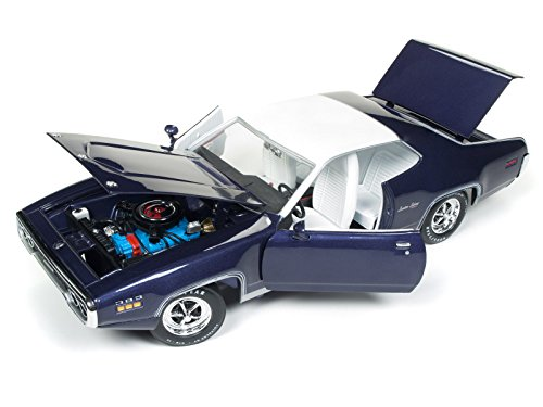 - 1971 Plymouth Satellite Sebring Plus MCACN Purple with White Roof Limited Edition to 1002 pieces Worldwide 1/18 Diecast Model Car by Autoworld AMM1146