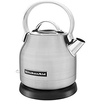 Amazon Com Smeg 1 7 Liter Kettle Cream Kitchen Amp Dining